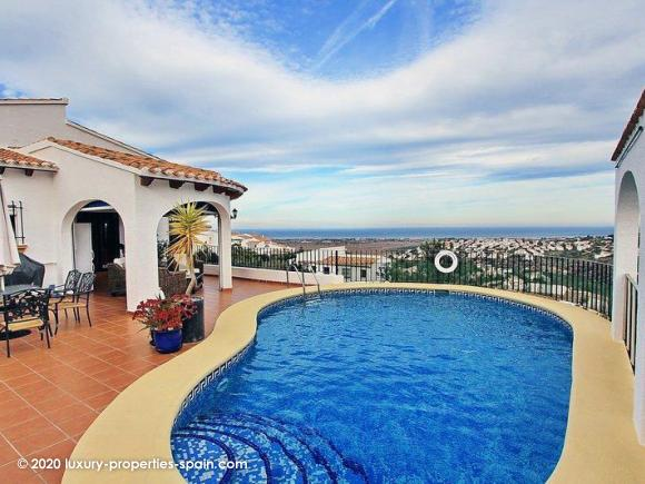 For sale Property with seaview in Denia - Monte Pego