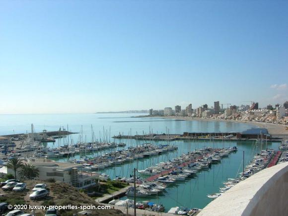 Luxury Properties Spain - Club Nautico Campello