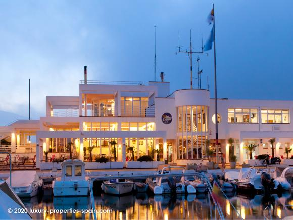 Luxury Properties Spain - Club Nautico de Altea
