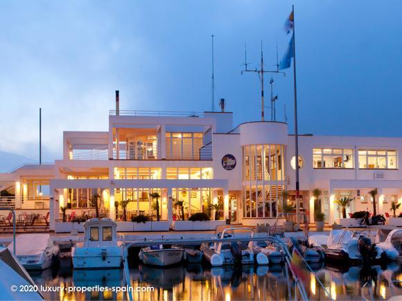 Luxury Properties Spain - Club Nautico de Altea