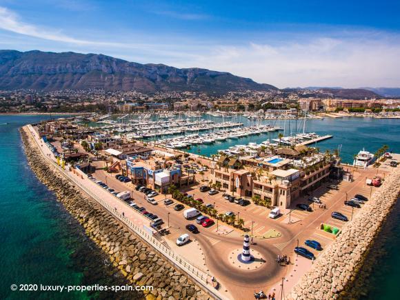 Luxury Properties Spain - Club Nautico Denia