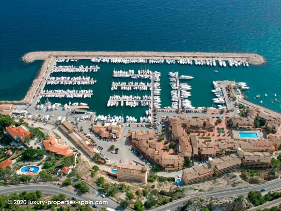 Luxury Properties Spain - Club Nautico Mascarat