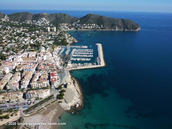 Luxury Properties Spain - Club Nautico Moraira