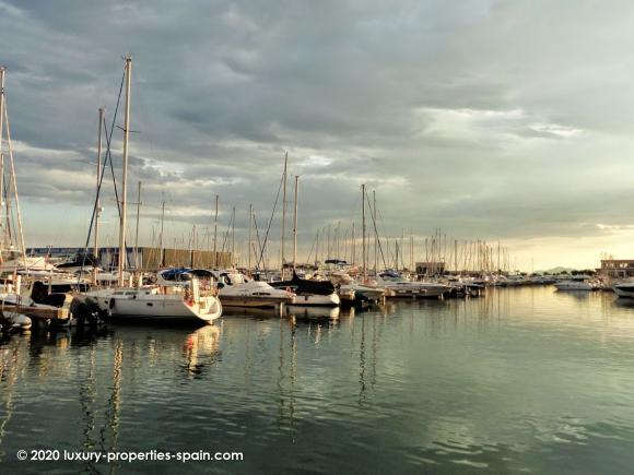 Luxury Properties Spain - Club Nautico Santa Pola